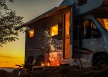 The 6 Best Solar Generators for RV: Ultimate Buying GUide [2021]